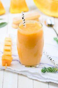 Die 5 besten Smoothies nach dem Krafttraining - Mango-Smoothie - unsplash alexandermils